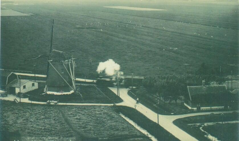 Het is haast niet voor te stellen, maar vroeger ging er een stoomtrein door Hoogwoud.