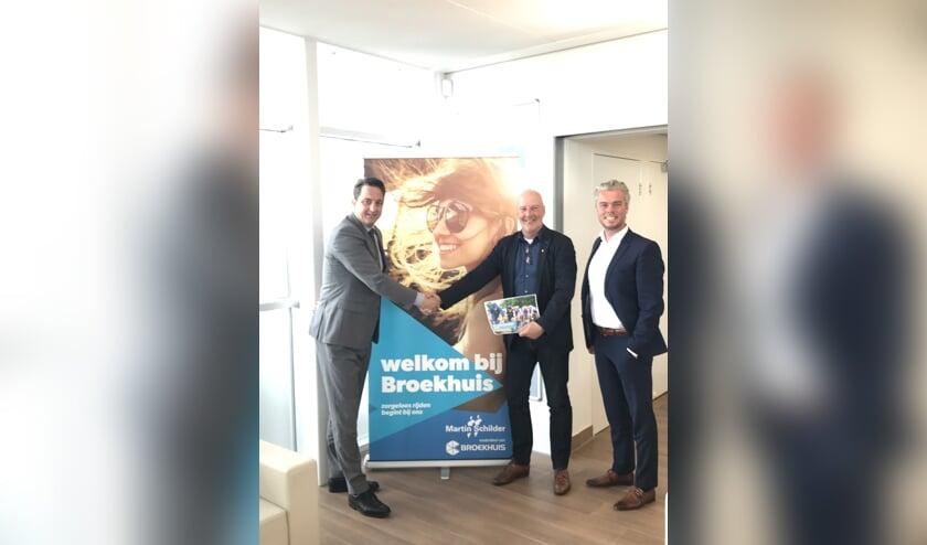 V.l.n.r. Patrick van Beusekom (directeur Broekhuis Alkmaar) Ron Huiberts (Stera) en Gerhard van de Pol (Brand manager Broekhuis Groep)