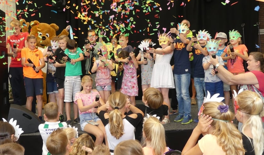 Kinderen openen traditioneel de Beemster Feestweek in Middenbeemster.