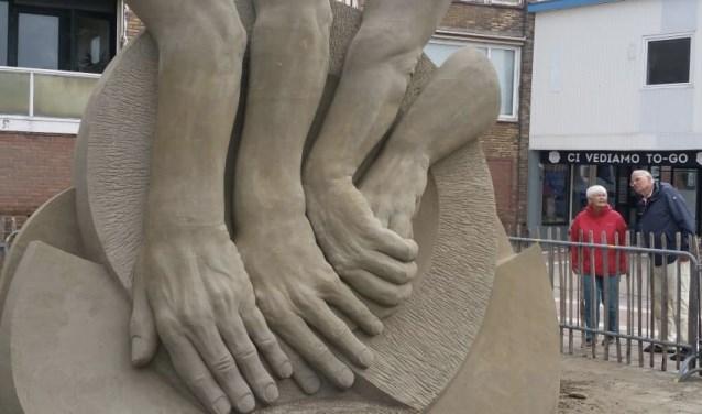 'Vrijheid, gelijkheid en broederschap' maakte Fergus Mulvany winnaar EK zandsculpturen in Zandvoort