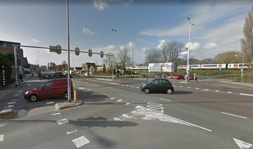 De kruising Oranje Nassaustraat in Halfweg.