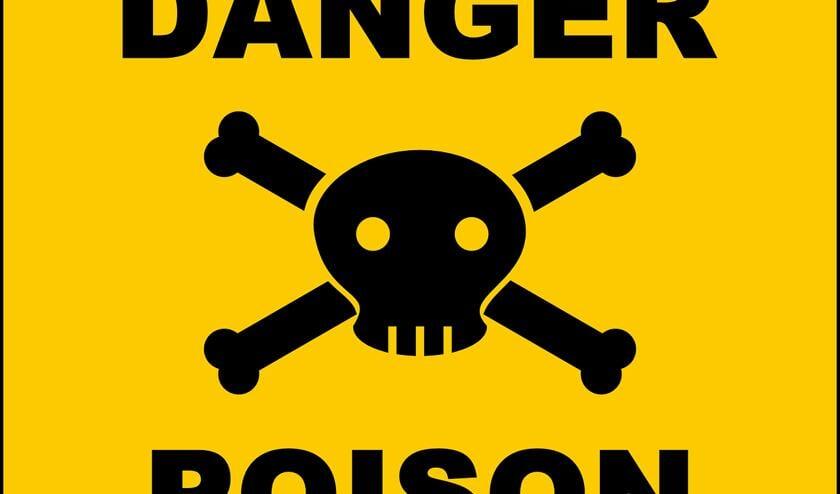 In de grond van Schiphol zijn giftige gefluoreerde koolwaterstoffen aangetroffen die niet afbreken en schadelijke gevolgen kunnen hebben voor mens en dier.