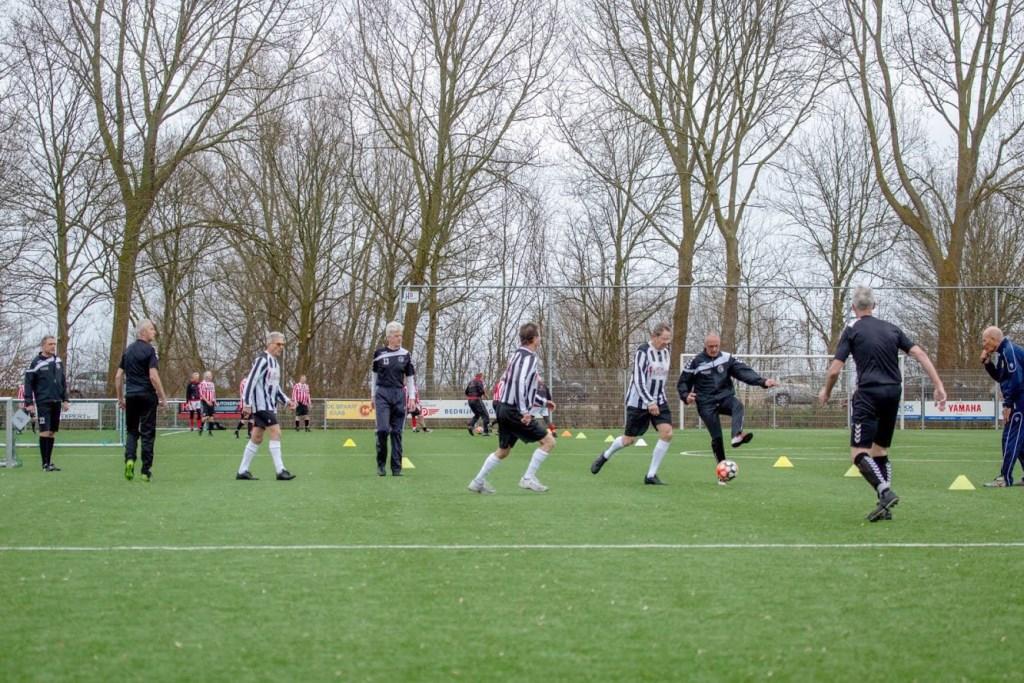 Walking Football slaat aan in de gemeente Medemblik.  © rodi