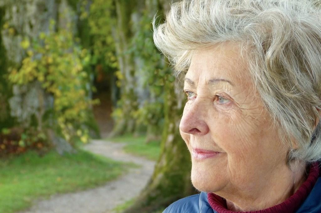 Ouderen willen graag zo lang mogelijk thuis blijven wonen. Gelukkig is er tegenwoordig veel mogelijk.
