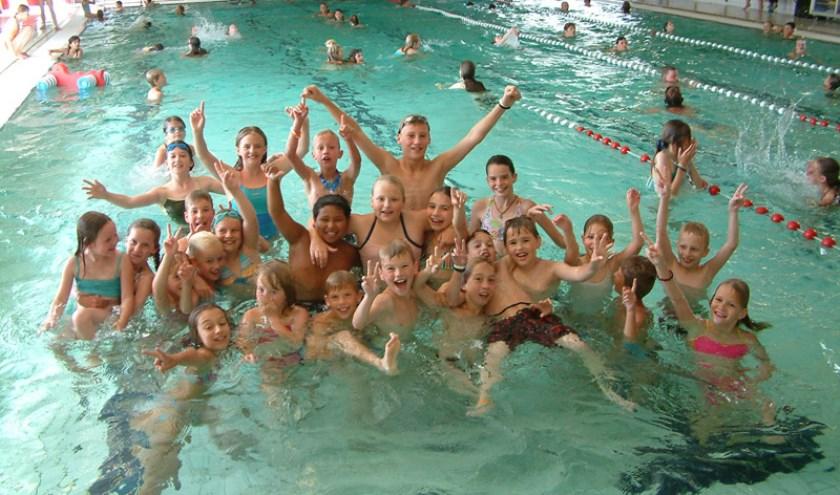 Feest in zwembad De Hout!