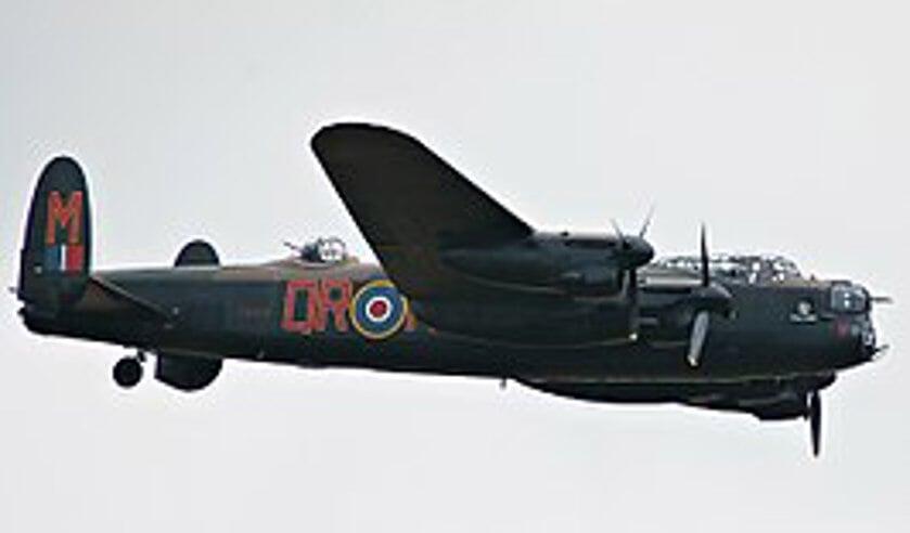 De Lancaster is een viermotorige zware bommenwerper.