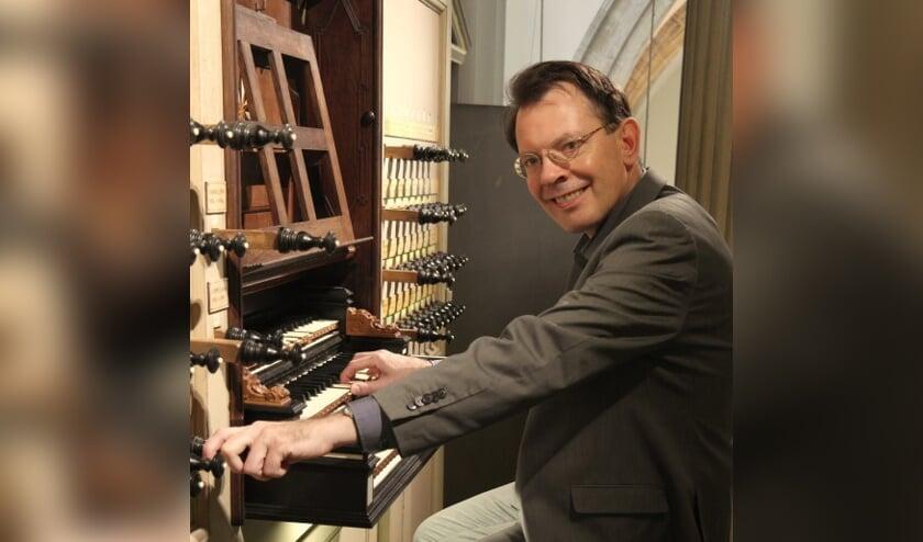 Frank van Wijk, orgel.