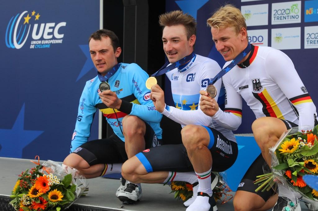 Het podium bij de mannen, met vlnr. Yves Lampaert (zilver), Elia Viviani (goud) en Pascal Ackermann (brons). (Foto: Vincent de Vries) © rodi