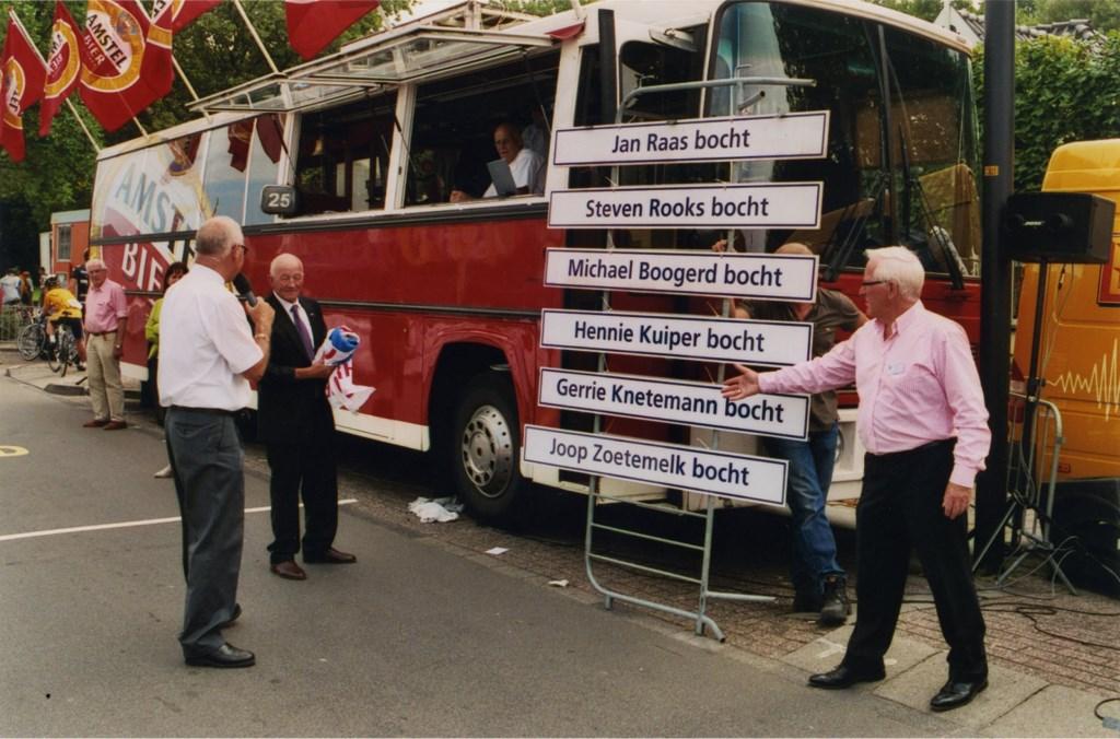 Ludiek: de bochten op het parcours worden vernoemd naar illustere oud-deelnemers. (Foto: Archief Stichting Tour de Waard) © rodi