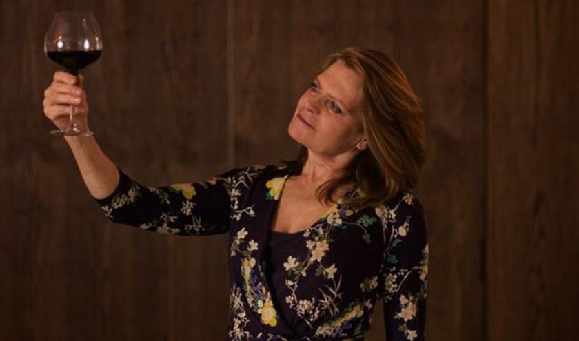 Caroline Cocheret verzorgt wijncursussen door het hele land.