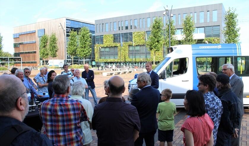 De opening werd bijgewoond door een groot aantal vrijwillige chauffeurs.