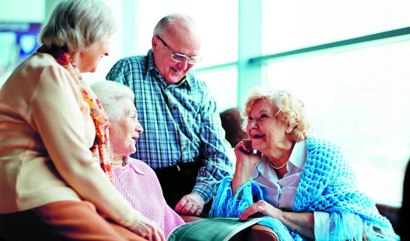 Ouderen die op zoek zijn naar gezelligheid en graag onder de mensen willen komen, zijn van harte welkom.