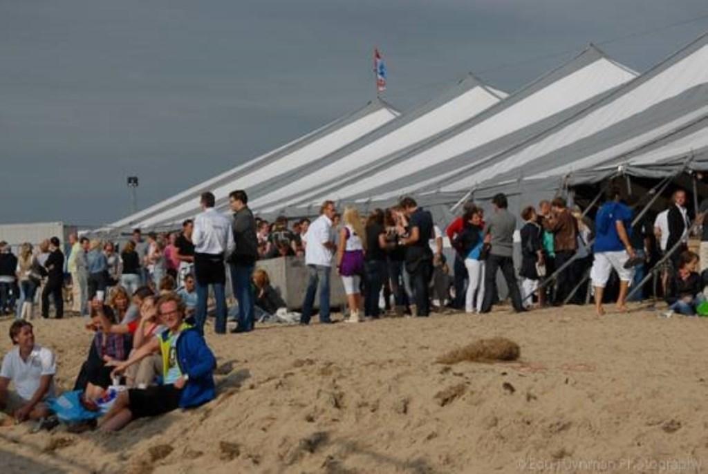 De tent op het strand. (Foto: aangeleverd) © rodi
