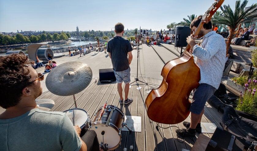 Elke donderdag live muziek tijdens NEMO Zomerdak.