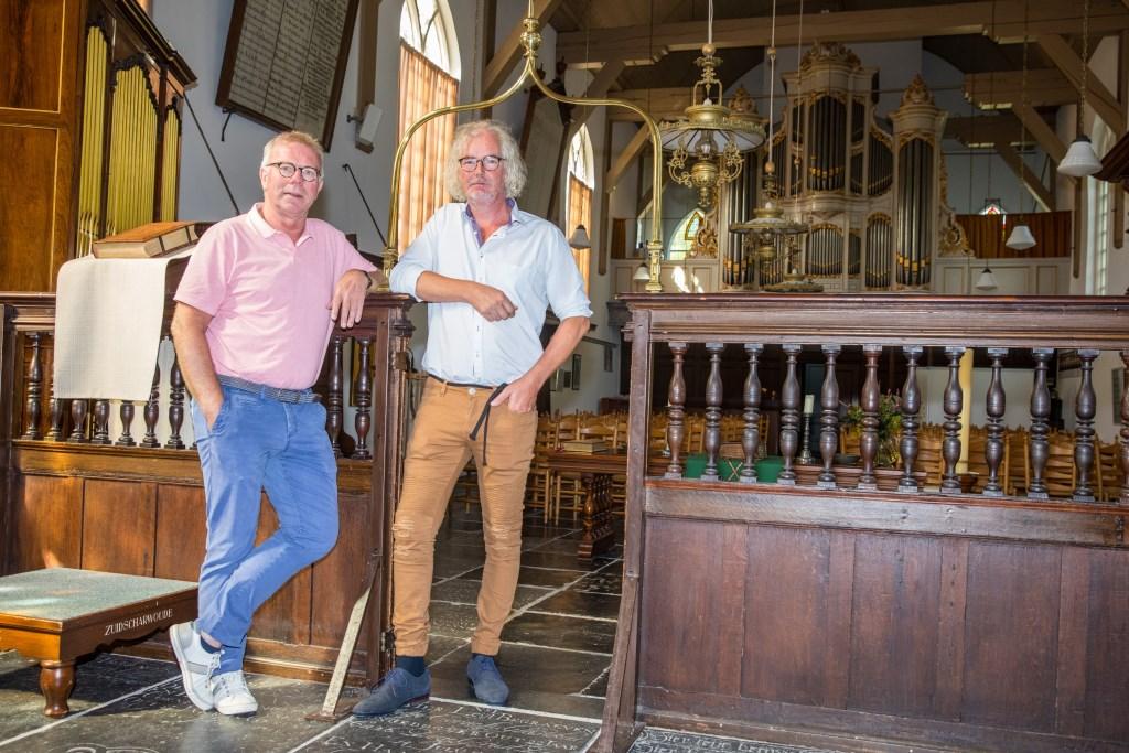 Jaap Kuin en Rob Basten hebben een mooi programma samengesteld om de 200ste verjaardag van de Kooger Kerk te vieren, met een boek, tentoonstellingen en muziek. (Foto: Vincentdevriesfoto.nl) © rodi
