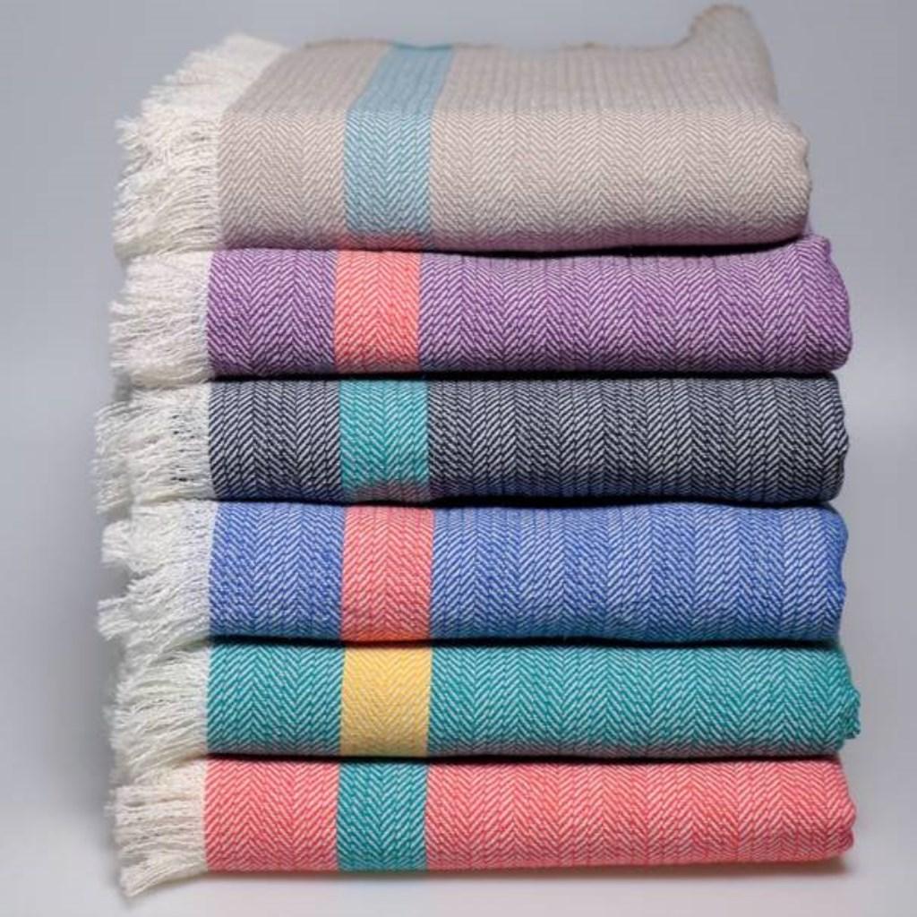 Geweven kleden van duurzaam textiel.  © rodi