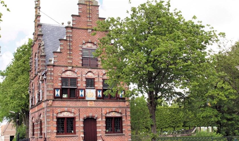Het prachtige raadhuis van Graft is een absolute parel in Laag Holland.