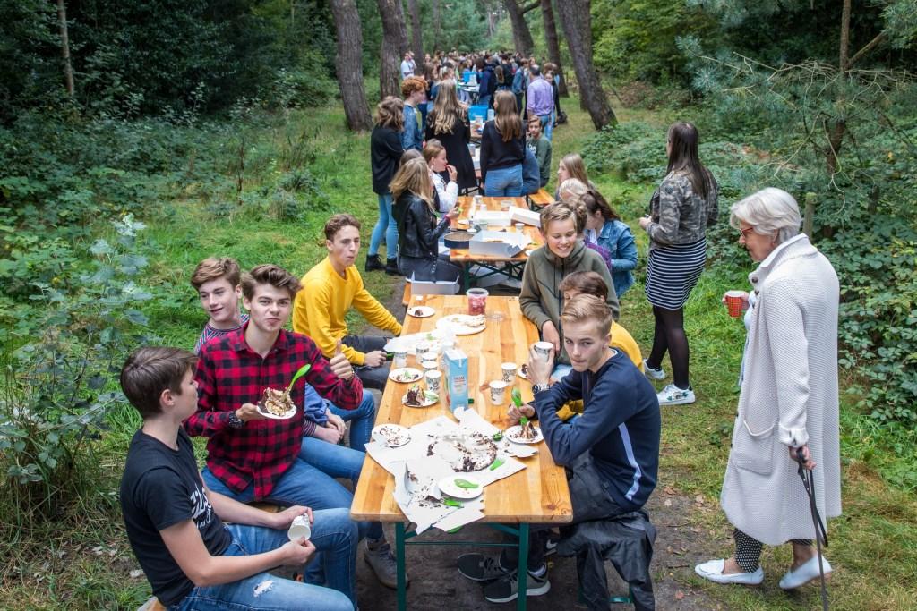 Na de wedstrijd mocht iedereen natuurlijk proeven! (Foto: Vincentdevriesfoto.nl) © rodi