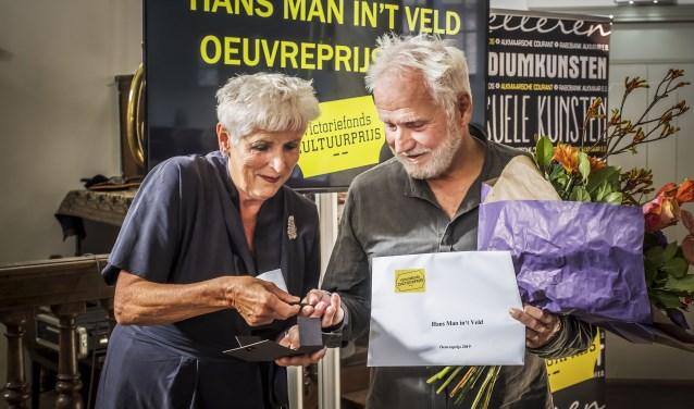 Hans Man in't Veldkrijgt de Victoriefonds Oeuvreprijs.