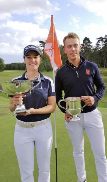 Daniëlle Modder en Koen Kouwenaar als winnaars van het Nationaal Open. (Foto social media Hilversumsche)