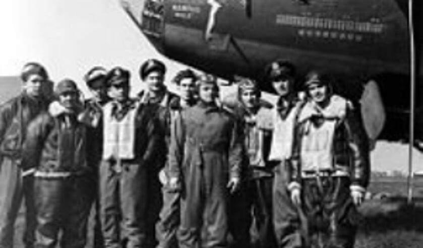 De bemanning van het vliegtuig waren de eerste Amerikanen.