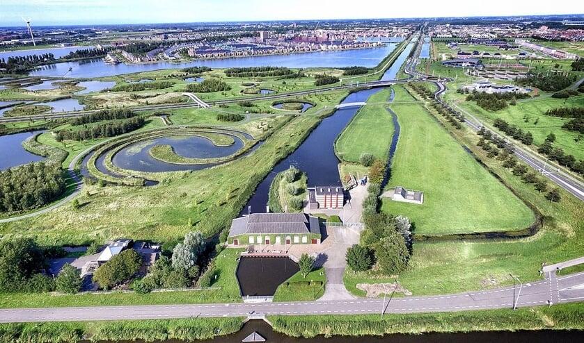 Het Poldermuseum vanuit de lucht gezien.