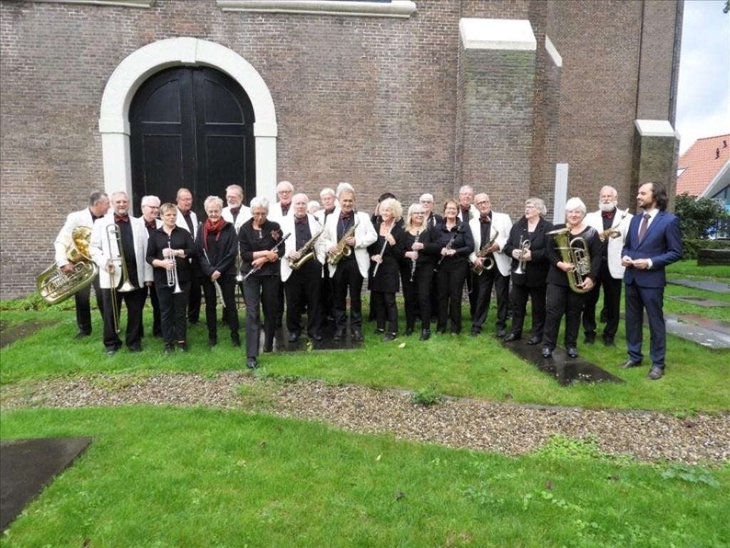 Dag Orkest Zaanstreek Waterland bij de Grote Kerk. (Foto: aangeleverd) © rodi
