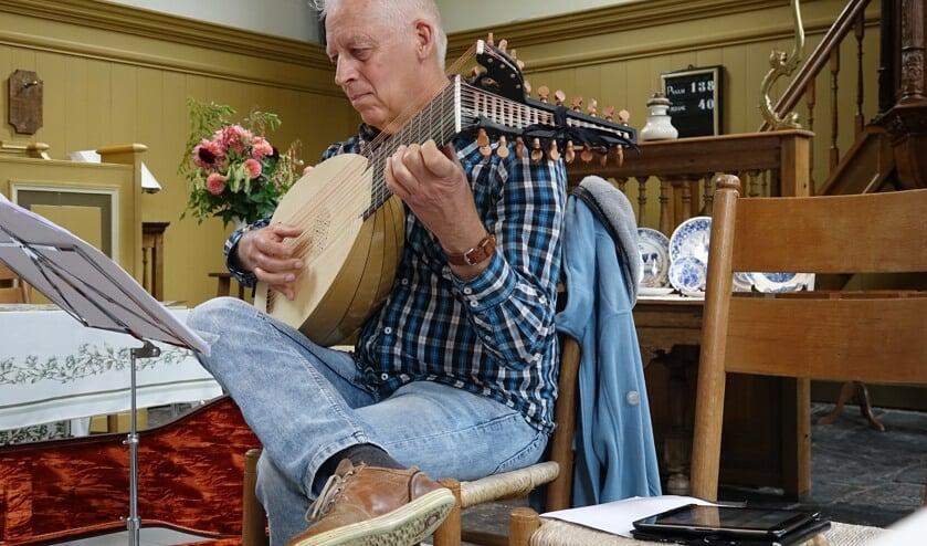 Tijdens de Open Monumentendag wordt in de protestantse kerk in Sijbekarspel muziek gemaakt.