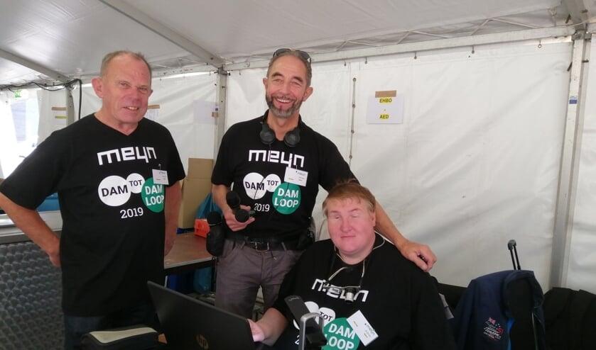 Klaar voor de uitzending. Vanaf links Pim Beudeker, Nils Römer en Wim Vinju.