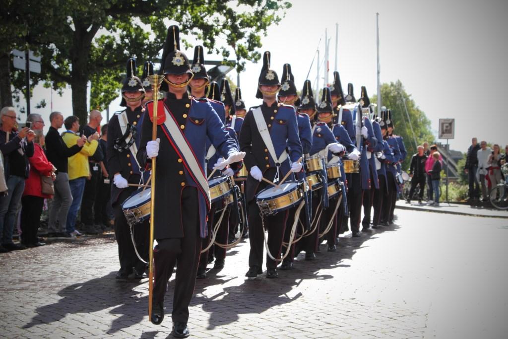 Het pasveerkorps uit Leeuwarden verzorgt zondag 15 september vanaf 13.30 uur een geweldige show op de Nieuwstraat. (Foto: KoolPics) © rodi