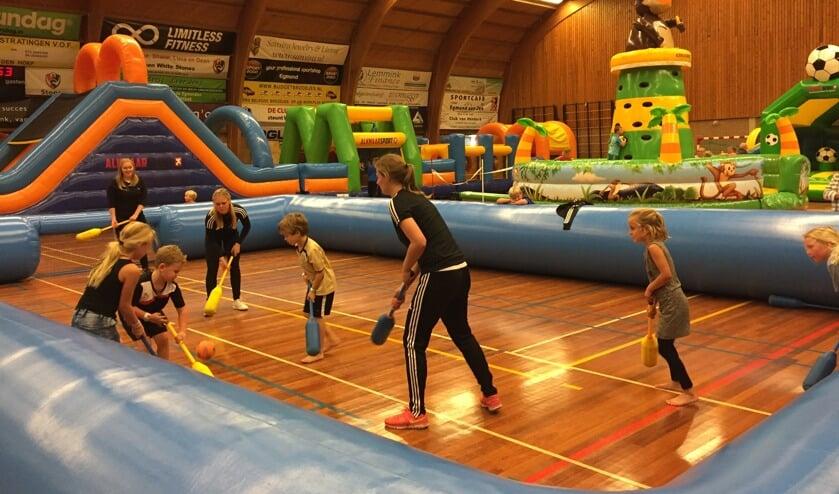 Sporthal De Watertoren wordt omgetoverd tot een waar kinderparadijs.