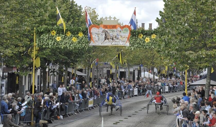 Veel publiek, gezelligheid en optimale paardensport tijdens de harddraverij van Medemblik op maandag 16 september.