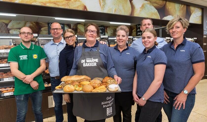 De medewerkers van Lidl Heerhugowaard staan te popelen om hun vernieuwde winkel aan de klanten te laten zien.