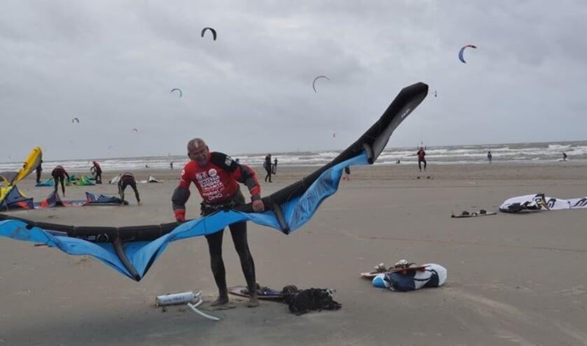 Richard Brandsma uit Langedijk deed zaterdag meeaan een kite surf marathon van Hoek van Holland naar Den Helder.