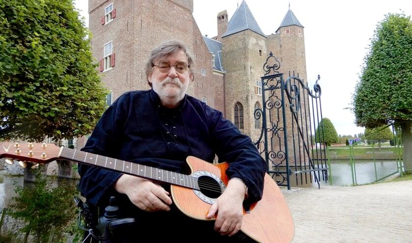 Jan Schrama bewerkt een serie riddergedichten van Willem Hofdijk.