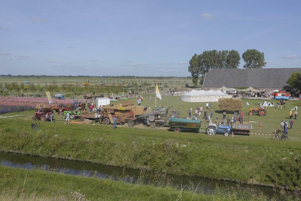Een overzichtsfoto van Grazende Zwaan op landgoed Klein Vennep.  (Foto: Kees van der Veer Hoofddorp) © rodi