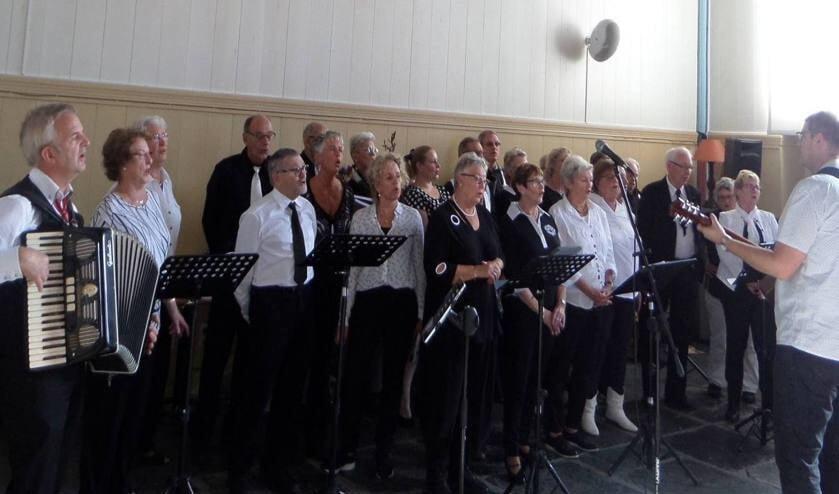 Het koor telt op dit moment ongeveer vijftig leden.