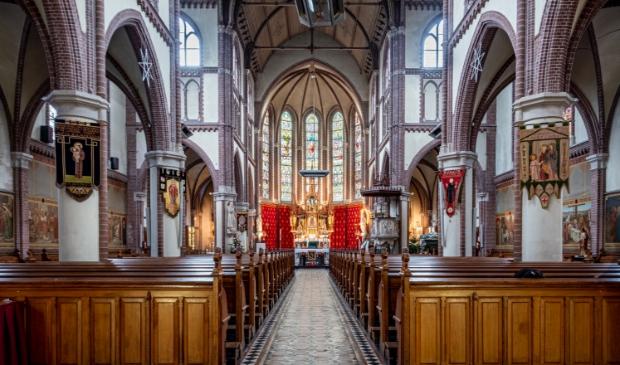 Interieur van de de Bonifatiuskerk.