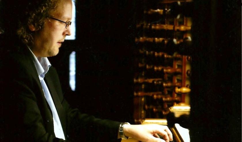 Organist Aarnoud de Groen.