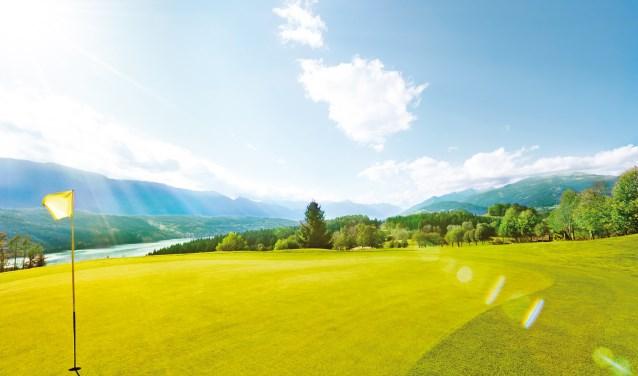 De Milstätter See is niet alleen zelf prachtig, maar de gelijknamige golfcourse is een absoluut plezier om te spelen. Genieten in alle opzichten. (Foto: ) © rodi