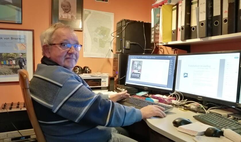 Henk van Breemen werkt elke dag aan het boek.