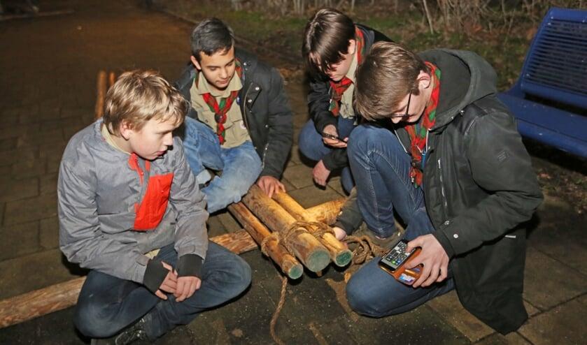 De jeugd geniet van de verschillende activiteiten bij Scouting Angela.