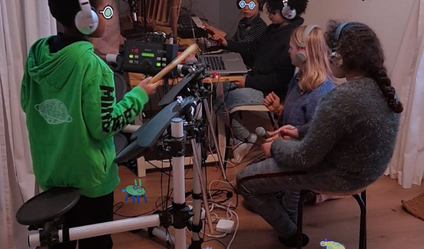 Gratis radio maken in Amsterdam-Noord voor kinderen van 6 t/m 11 jaar, van januari t/m mei 2020 op verschillende locaties in Amsterdam-Noord.