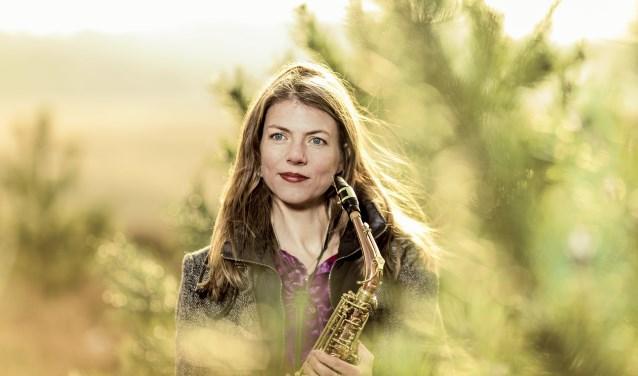 De ervaren klassiek saxofoniste Floor Wittink.