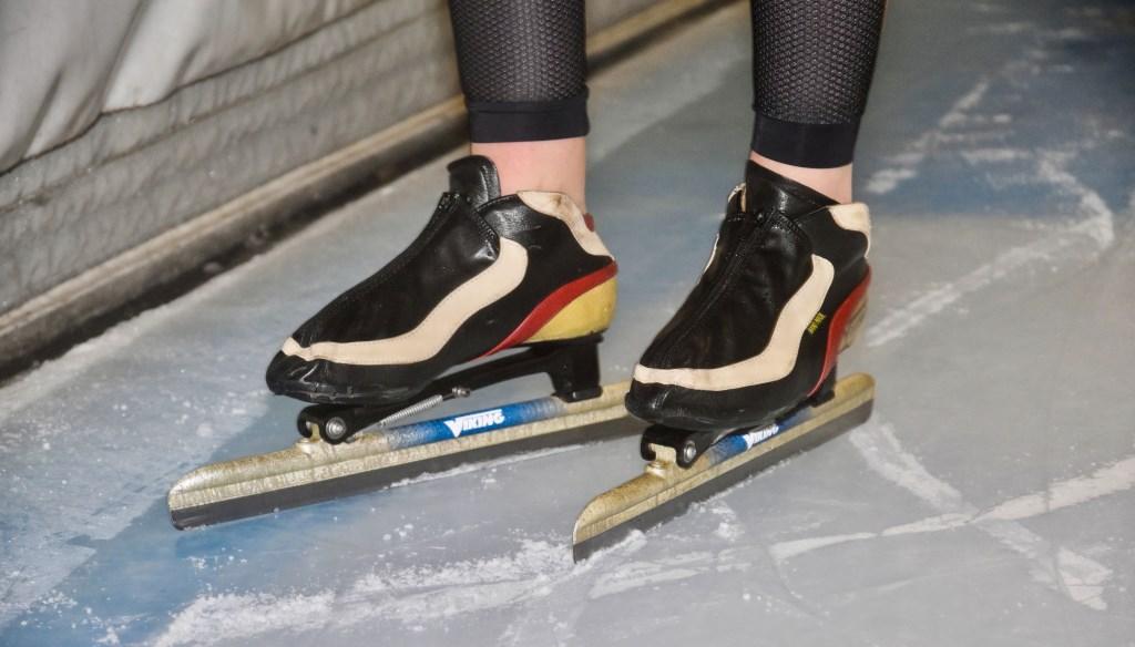 Bente en haar vertrouwde schaatsen. (Foto: Roos Bähr) © rodi