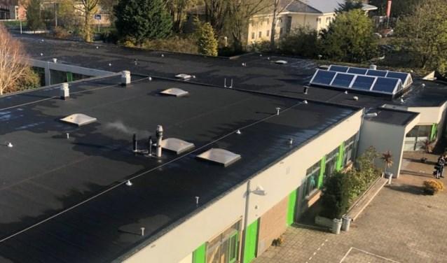 Het dak van het Clusius College zoals dat er nu uitziet.