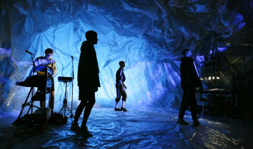 Scène uit een van de drie producties.