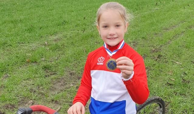 Cheyenne Nederlandskampioen veldrijden Cat.1 8 jarig meisjes.
