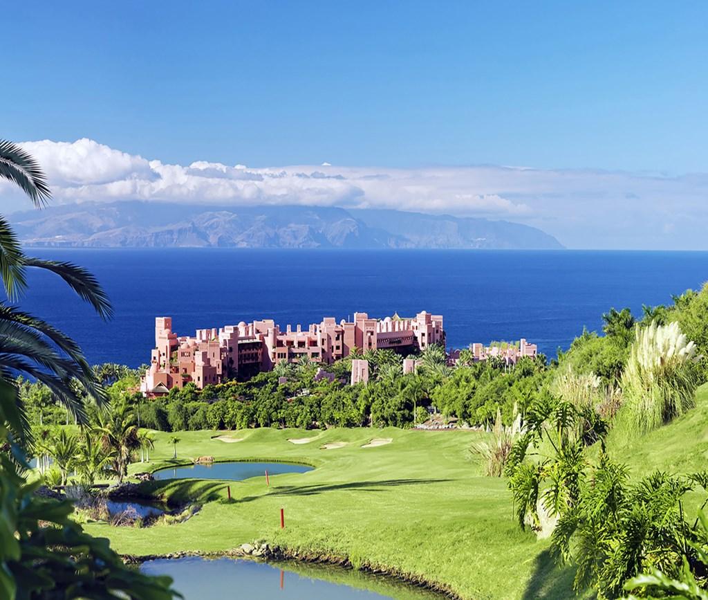 Abama Golf, een topbaan op een prachtige locatie met uitzichten op het eiland La Gomera. (Foto: Roger Mendez) © rodi