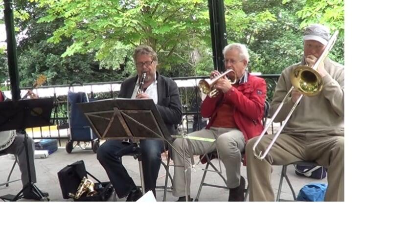 DixieDelight treedt op in Sint Pancras.